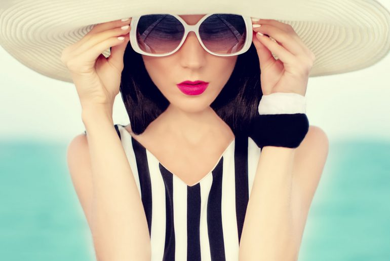 How to Dress Up Your Bathing Suit With a Cute CoverUp